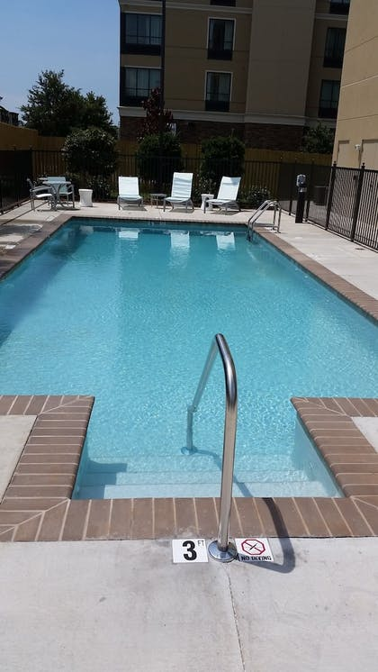 Outdoor Pool | Springhill Suites Mobile