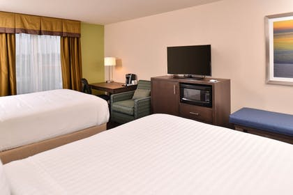 Guestroom   Holiday Inn Express & Suites Dearborn SW - Detroit Area