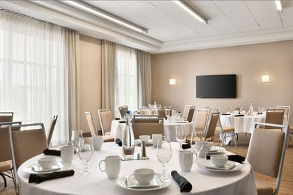 Meeting Facility | Four Points by Sheraton Fargo Medical Center