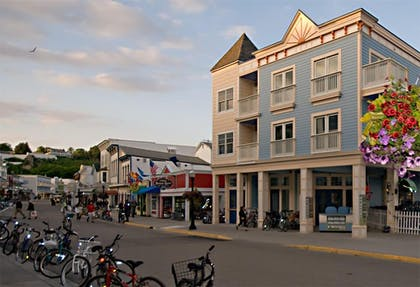 Hotel Front | Bicycle Street Inn and Suites