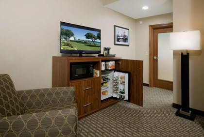 Living Area | Bicycle Street Inn and Suites