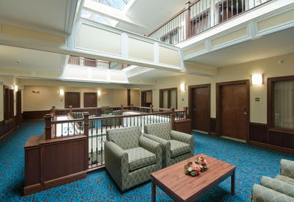 Interior Detail | Bicycle Street Inn and Suites