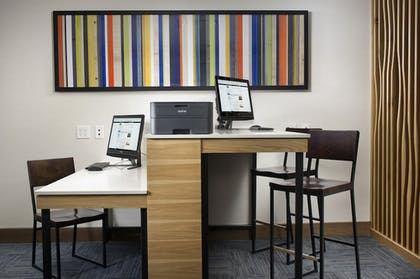Business Center | Holiday Inn Express & Suites Bay City