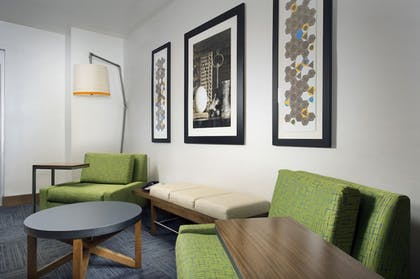 Lobby | Holiday Inn Express & Suites Bay City