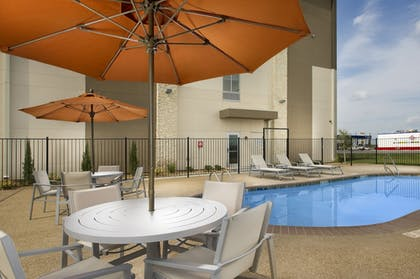 Pool | Holiday Inn Express & Suites Bay City