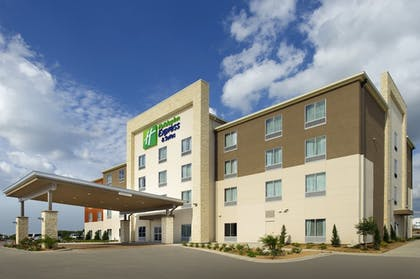 Exterior | Holiday Inn Express & Suites Bay City