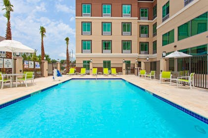 Pool | Holiday Inn Express & Suites Houston Medical Center