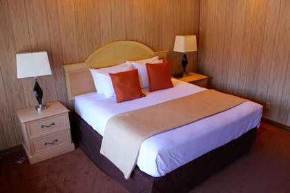 Guestroom | The Rustic Inn