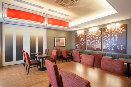 Breakfast Area | TownePlace Suites Minneapolis Mall of America