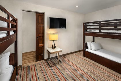 | 1 Bedroom Suite, 1 King Bed and 2 Bunk Beds, Corner Room | Courtyard by Marriott Anaheim Theme Park Entrance