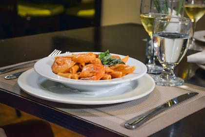Food and Drink | Seacoast Suites on Miami Beach