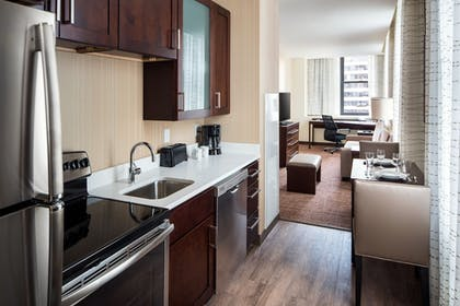 In-Room Kitchen | Residence Inn Chicago Downtown/Loop