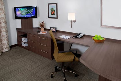 In-Room Business Center | Candlewood Suites Kenedy