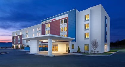 Hotel Front - Evening/Night | Springhill Suites Buffalo Airport
