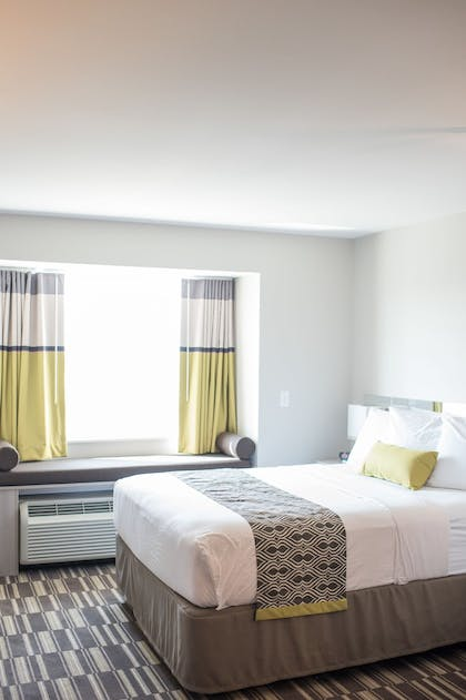 Guestroom | Microtel Inn & Suites by Wyndham West Fargo Medical Center