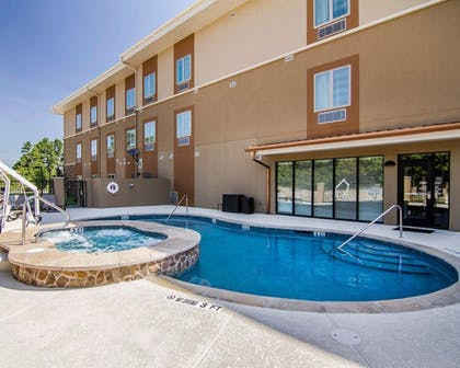 Pool | Mainstay Suites