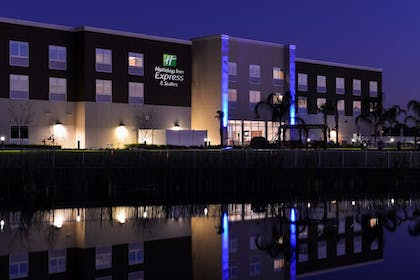 Exterior | Holiday Inn Express & Suites Trinity