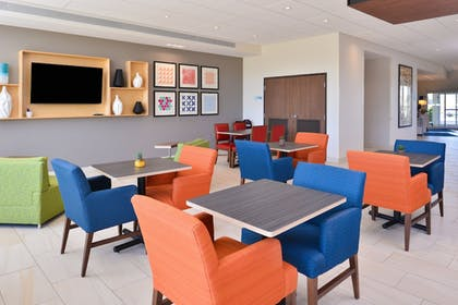 Restaurant | Holiday Inn Express & Suites Trinity
