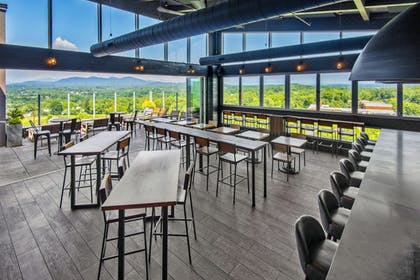 Outdoor Dining | Hyatt Place Asheville/Downtown