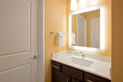 Bathroom | Towneplace Suites Sioux Falls South