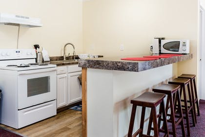 In-Room Kitchenette | Capt.'s Inn & Suites