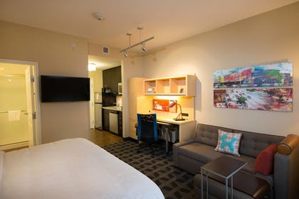 Guestroom | TownePlace Suites by Marriott Lincoln North