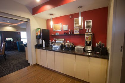 Restaurant | TownePlace Suites by Marriott Lincoln North