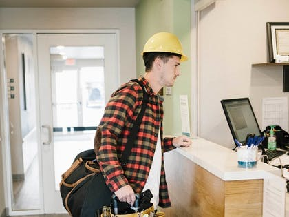 Check-in/Check-out Kiosk | WoodSpring Suites Fort Lauderdale