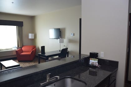 Living Room | Roosevelt Inn and Suites