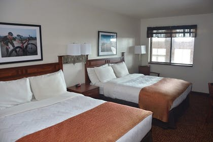 Guestroom | Roosevelt Inn and Suites