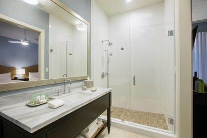 Bathroom | Playa Largo Resort & Spa, Autograph Collection