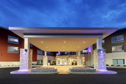 Exterior | Holiday Inn Express & Suites Galesburg