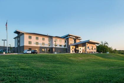 Exterior | Holiday Inn Express & Suites Shippensburg