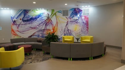 Lobby | Holiday Inn Express & Suites Shippensburg