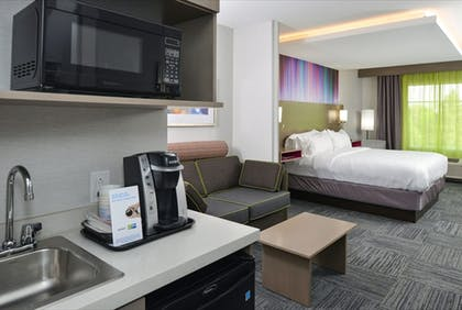 Guestroom   Holiday Inn Express & Suites Shippensburg