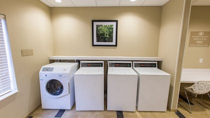 Laundry Room | Candlewood Suites Overland Park