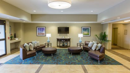 Lobby | Candlewood Suites Overland Park