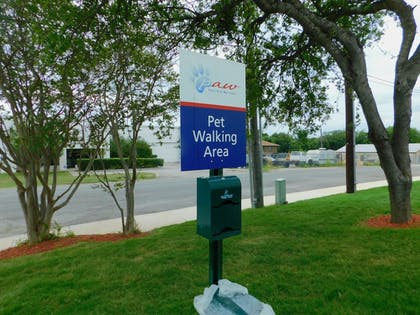 Property Grounds | Candlewood Suites San Antonio Airport
