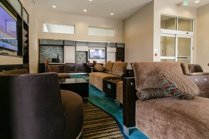 Business Center | Holiday Inn Hotel & Suites Chattanooga Downtown