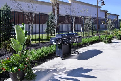 BBQ/Picnic Area | Courtyard by Marriott Columbus Grove City