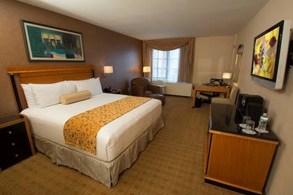 Guestroom   Inn at Great Neck, BW Premier Collection
