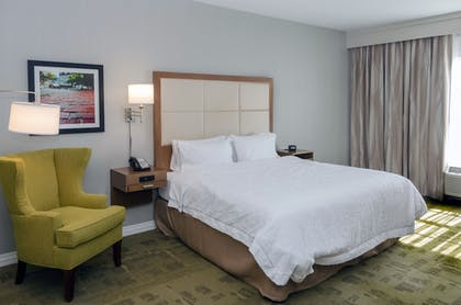 Guestroom | Hampton Inn & Suites New Albany Columbus