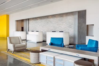 Lobby | Springhill Suites San Diego Downtown/Bayfront