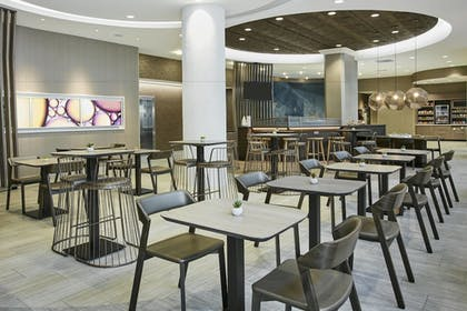 Restaurant | SpringHill Suites by Marriott Milwaukee Downtown