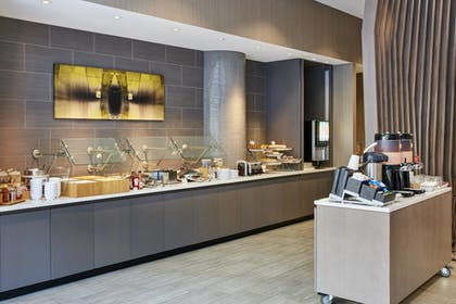 Breakfast Area | SpringHill Suites by Marriott Milwaukee Downtown