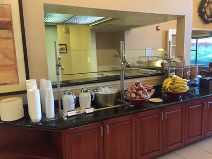 Breakfast Area | Doral Inn & Suites Miami Airport West