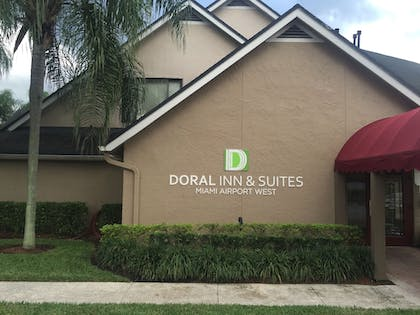 Hotel Front | Doral Inn & Suites Miami Airport West
