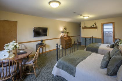 Guestroom | Stroudsmoor Country Inn