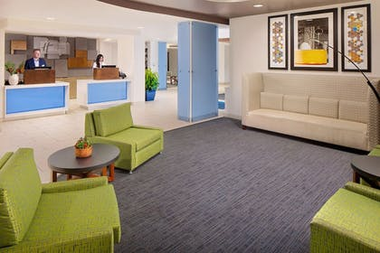 Lobby | Holiday Inn Express & Suites Austin Downtown - University