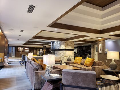 Lobby | Tahoe Seasons Resort by Diamond Resorts